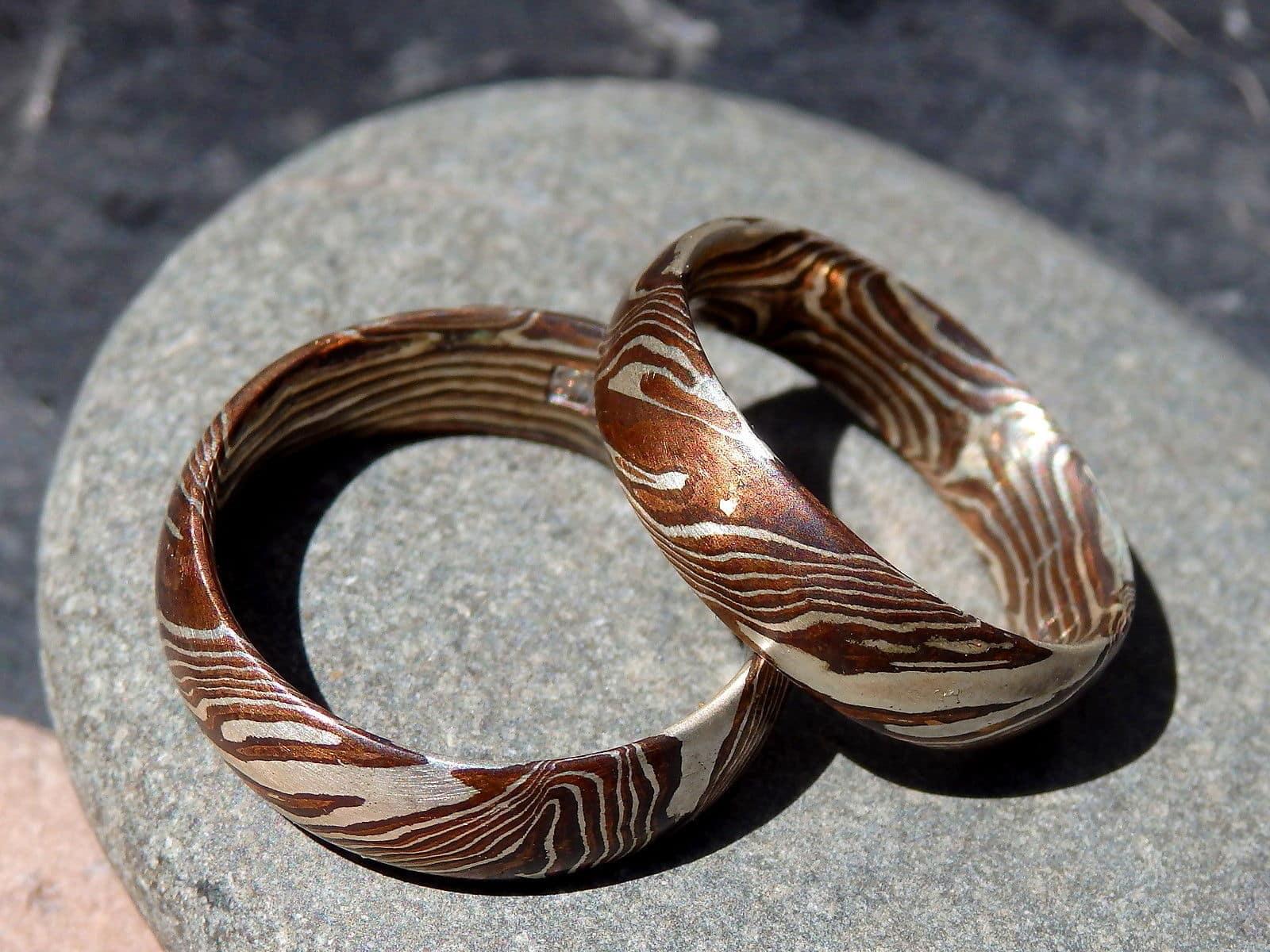 mokume gane geätzt gold 750 spinell zum produkt unikat ring mokume ...