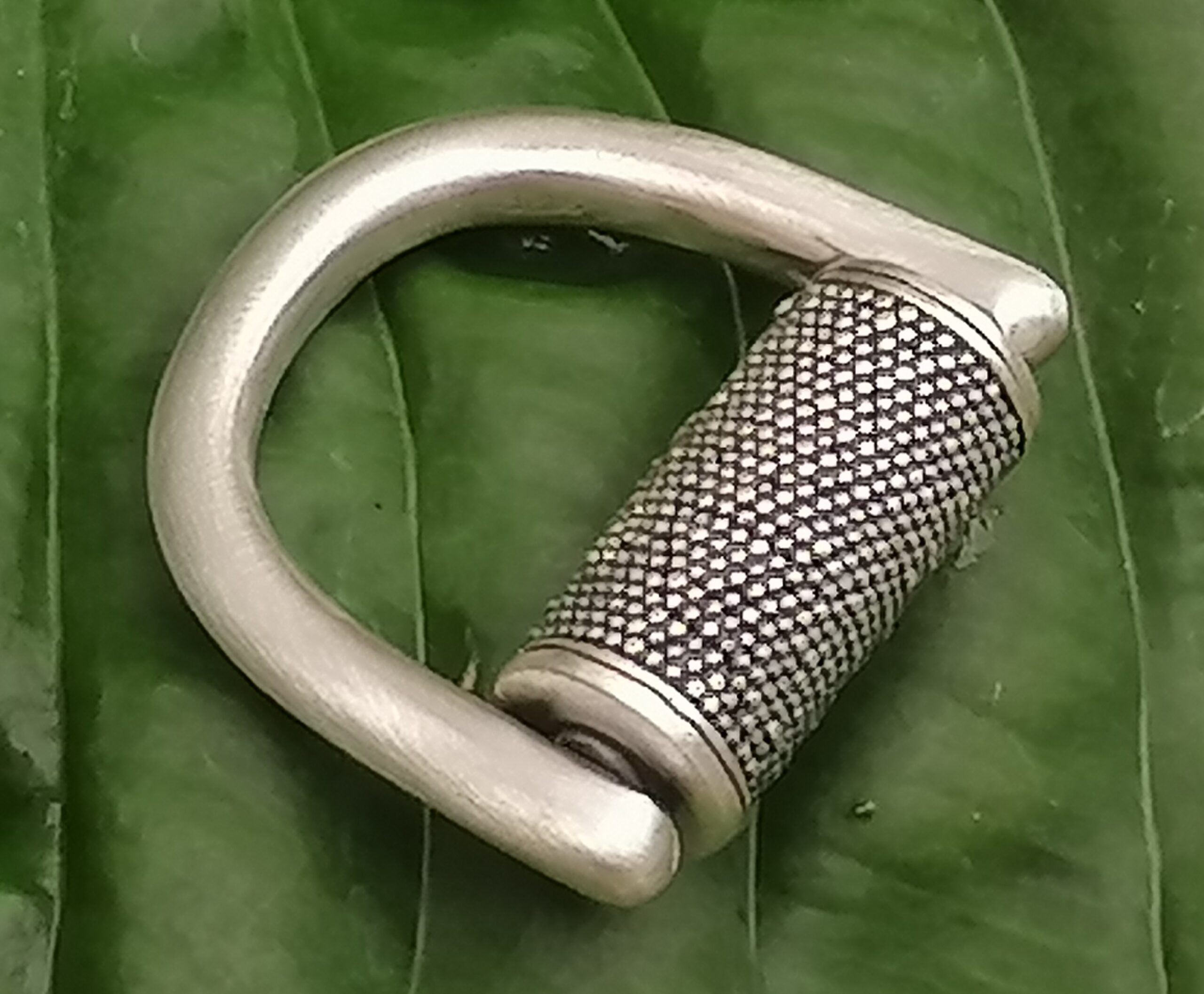 Ring Silber 925 Zylinder granuliert belötet geschwärzt Ringgröße 53 Unikat