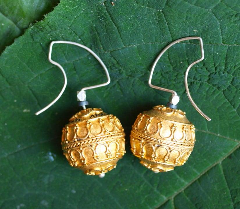 Unikat Ohrschmuck Ohrring Silber 925 vergoldet granuliert Kugel antikes Muster