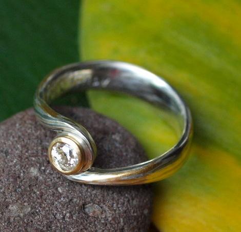 Unikat Ring Mokume Gane Brillant 0,21 ct Gold 750 Palladium 500 Silber 925