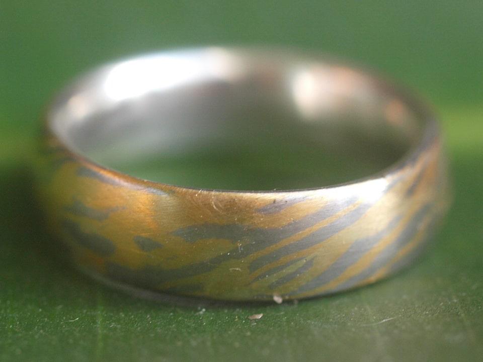 Trauring Unikat Ring Mokume Gane Gold 900 Palladium 500 Silber 925 Holzmaserung Ringgröße 59