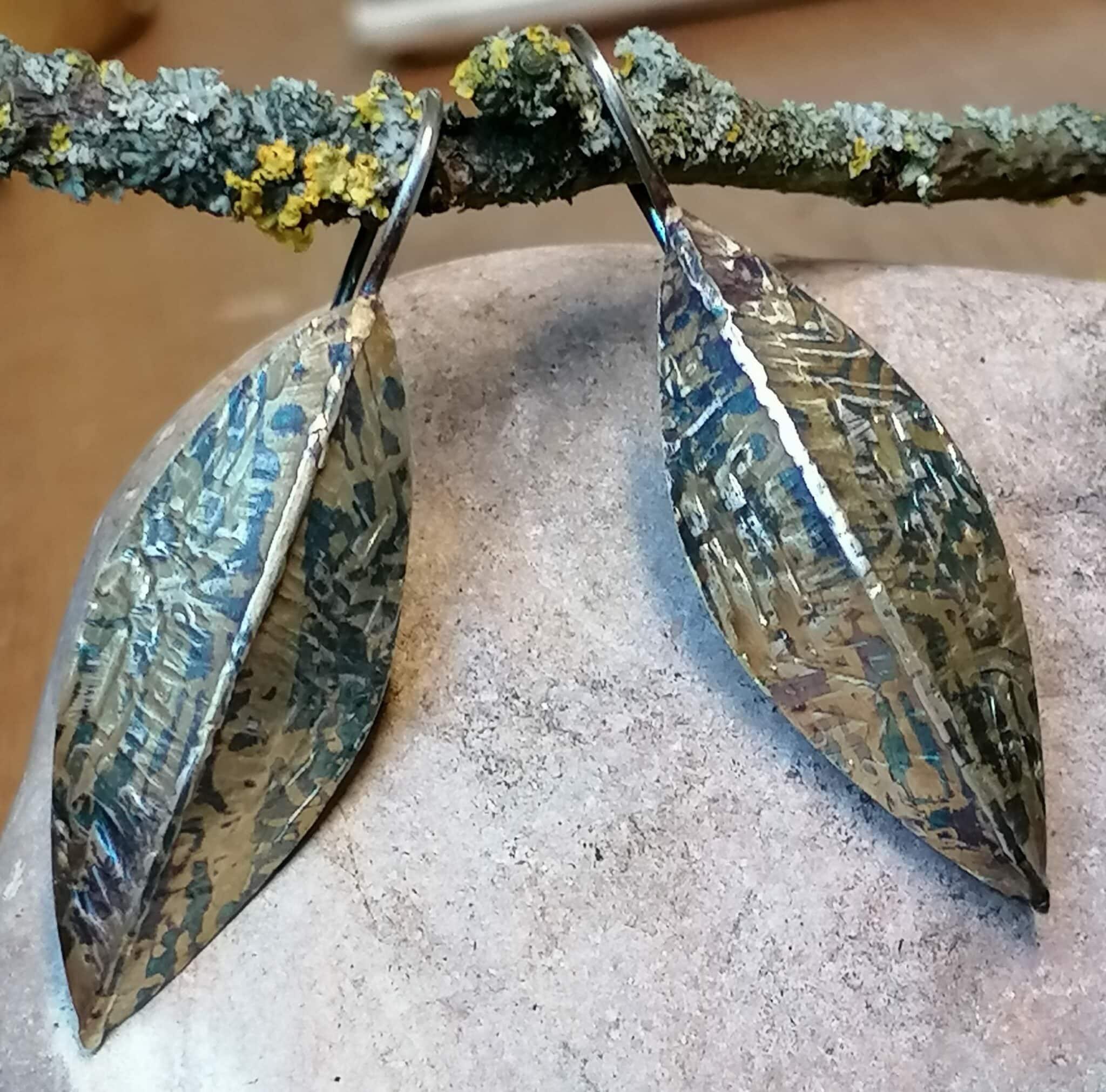 Ohrschmuck Ohrhänger Ohrring Gold 750 Silber 925 geschwärzt strukturiert gefaltet geschmiedet gewölbt