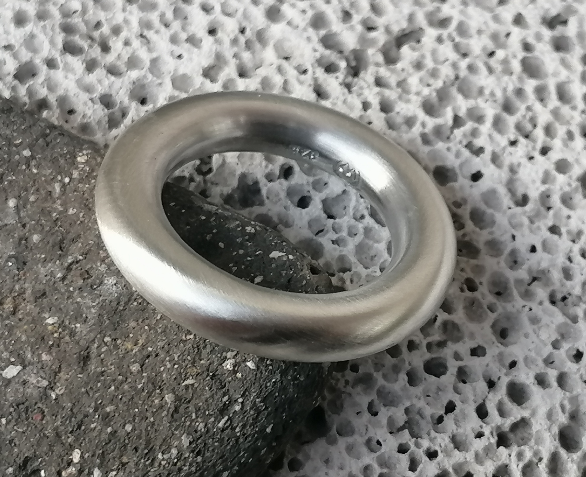 schlichter Designer Ring Silber 925 matt runde Schiene 53