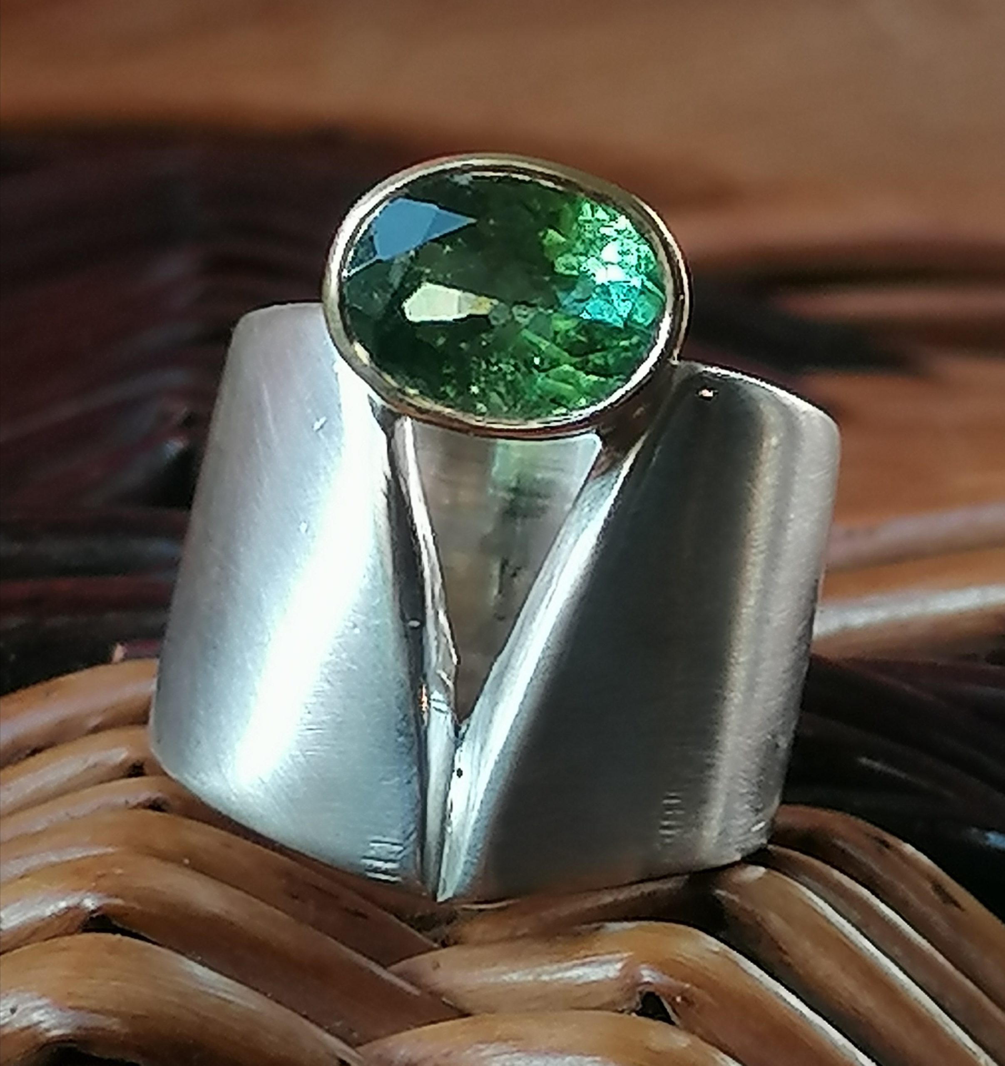 schlichter Designer Ring Silber 925 Gold 750 Peridot Pakistan Olivin matt breit Ringgröße 52
