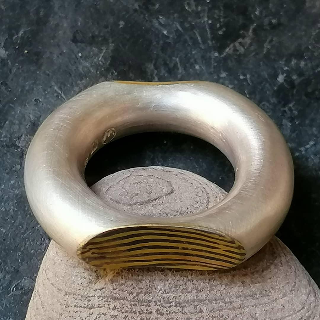 Unikat Ring Silber 925 Gold 900 Palladium 500 Mokume Gane rund minimalistisch matt runde Schiene schlicht klares Design 7,9 mm Größe 61  xxl
