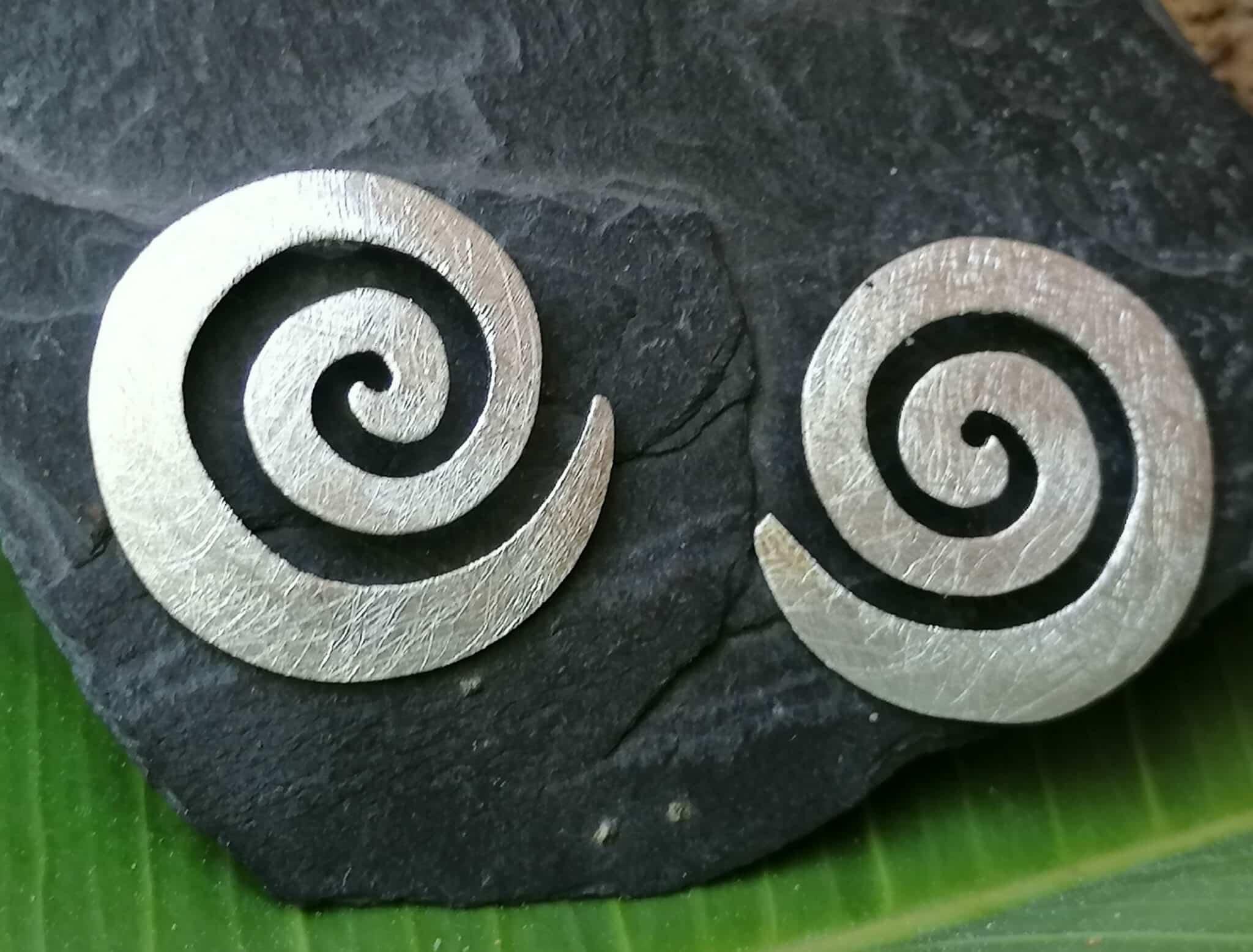 Unikat Ohrschmuck Ohrstecker Silber 925 Spirale mattiert