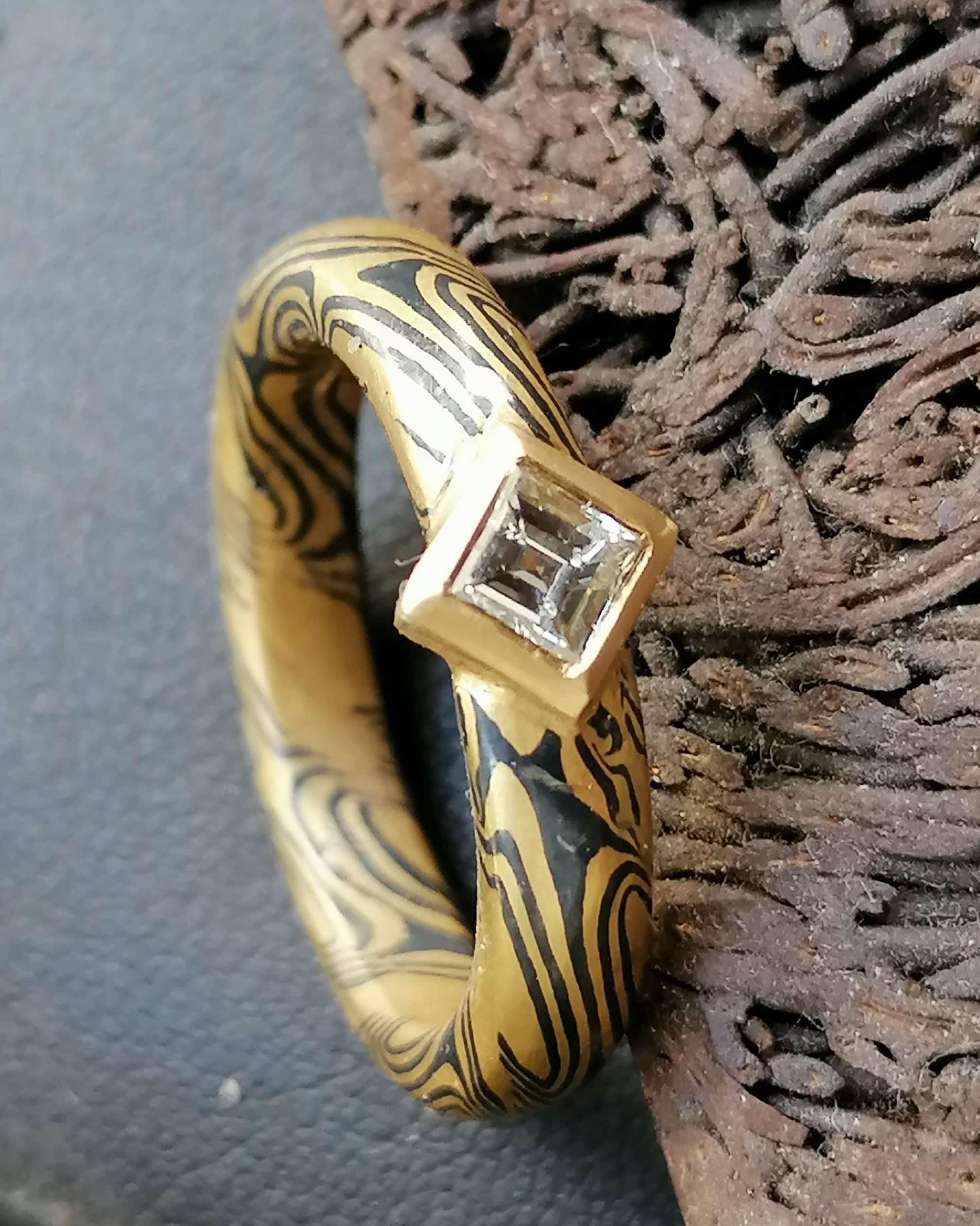 Unikat Ring Mokume Gane Diamant Carree Gold 900 Palladium gedrehtes Sternmuster
