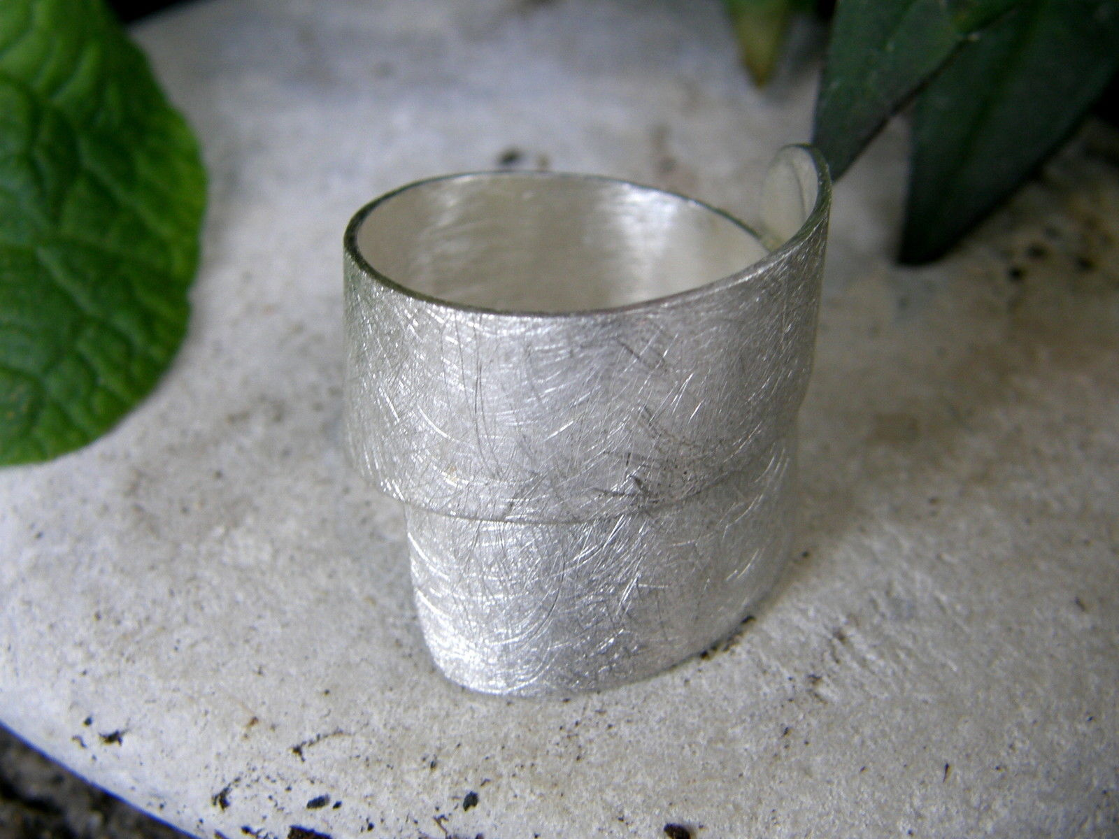 Designer Ring Silber 925 gewickelt eismattiert