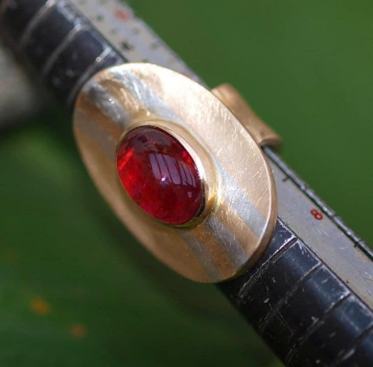 Unikat Ring Platin 950 Gold 750 Turmalin Rubellit Cabochon 55