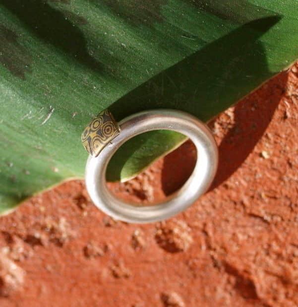 Unikat Ring Silber 925 mit Mokume Gane Gold 900 Palladium 500 runde Schiene