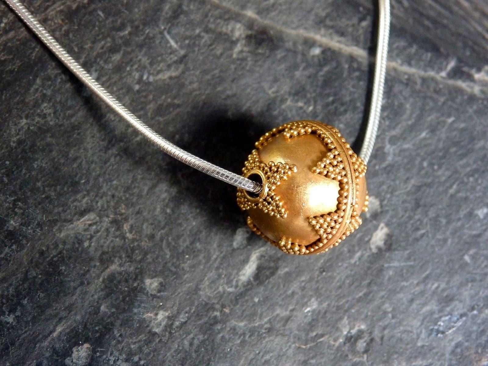 Designer Kette Silber 925 teilweise granulierte Kugel vergoldet