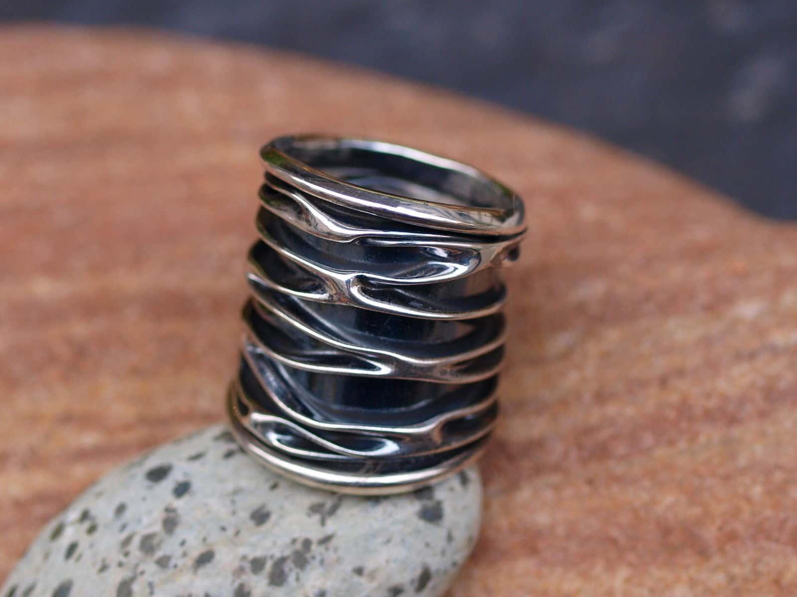 Designer Ring Silber 925 gefaltet geschmiedet tlw. geschwärzt breit