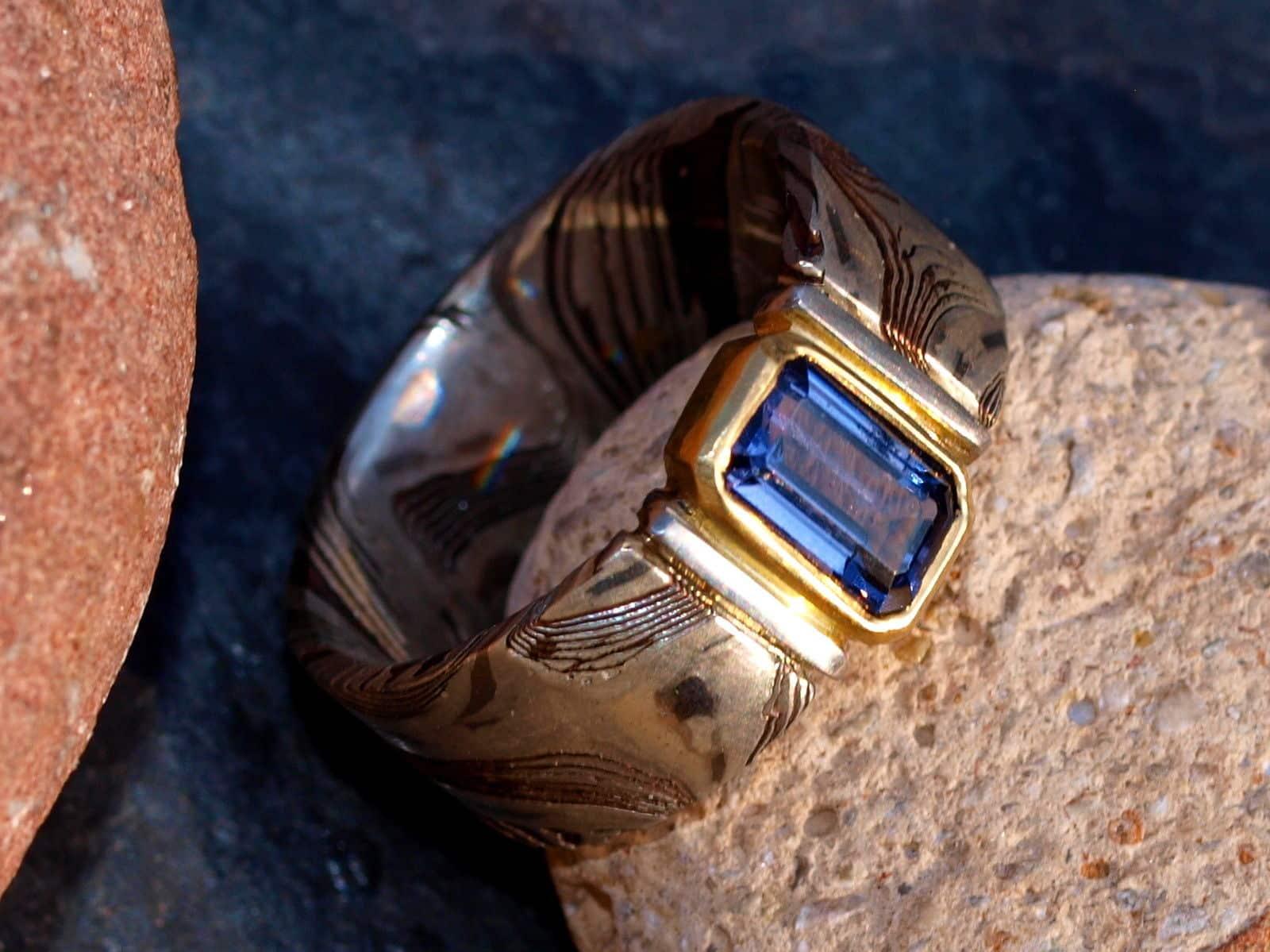 Unikat Ring Silber 925 Shakudo Shibuichi Mokume gane geätzt Gold 750 Spinell