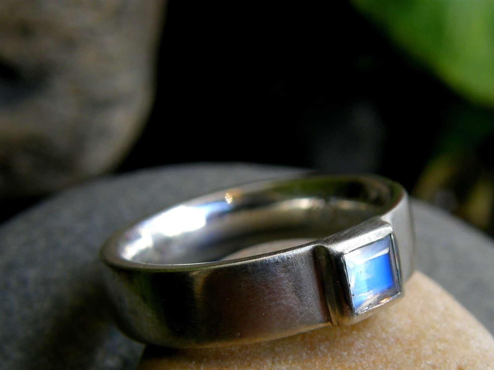 schlichter Designer Ring Silber 925 Mondstein Carree
