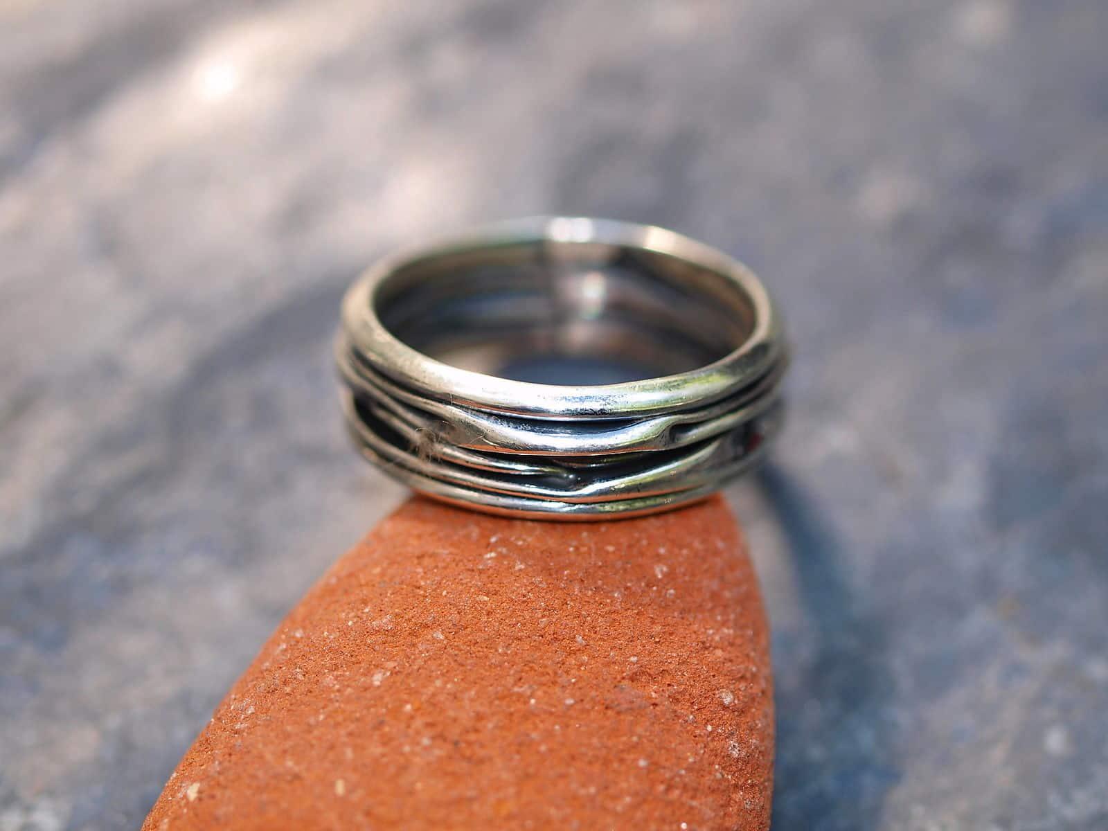 Designer Ring Silber 925 gefaltet geschmiedet tlw. geschwärzt schmal
