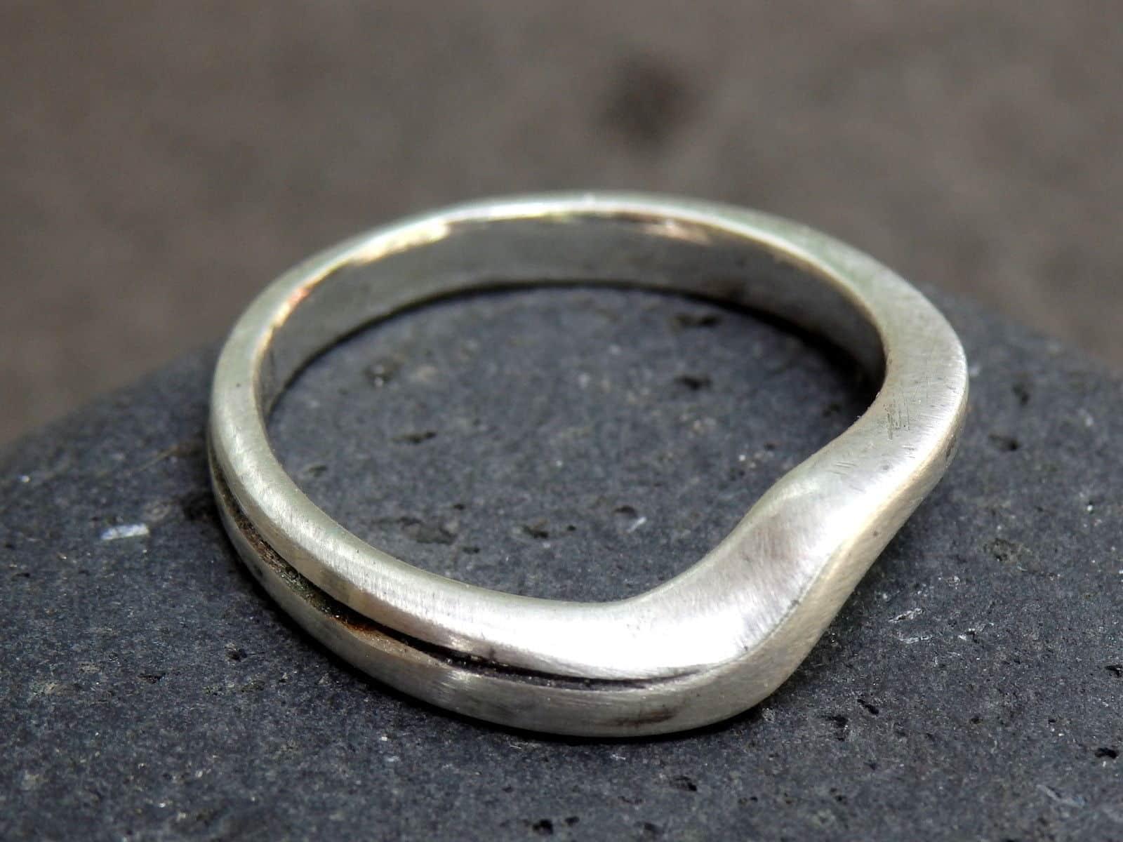Designer Ring Silber 925 tlw. geschwärzt gestreift geschwungen