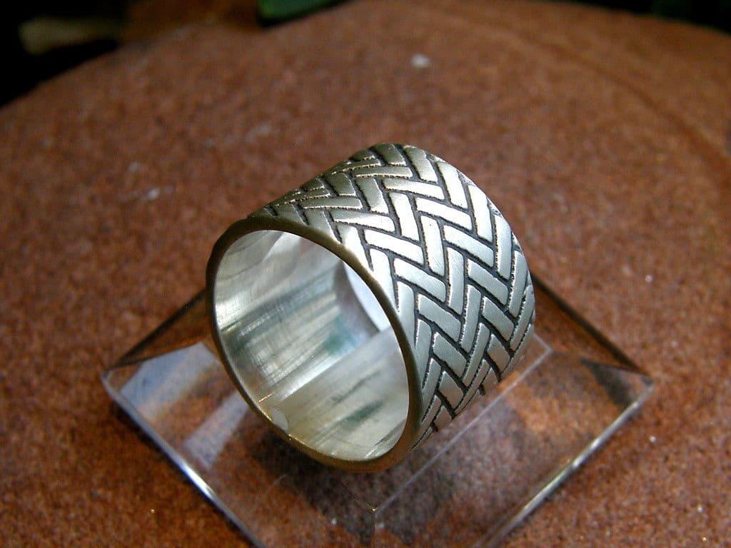 Designer Ring geflochten breit Silber 925