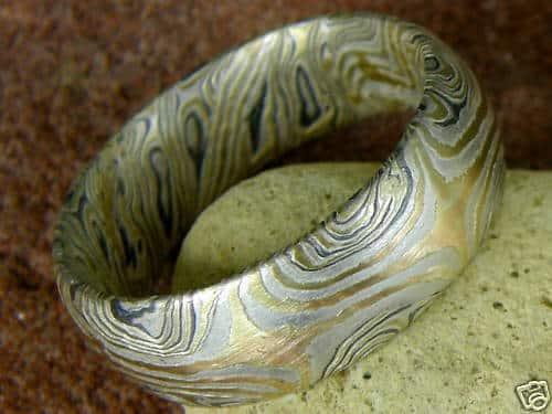 Trauringe Mokume Gane Gold Palladium Silber geätzt