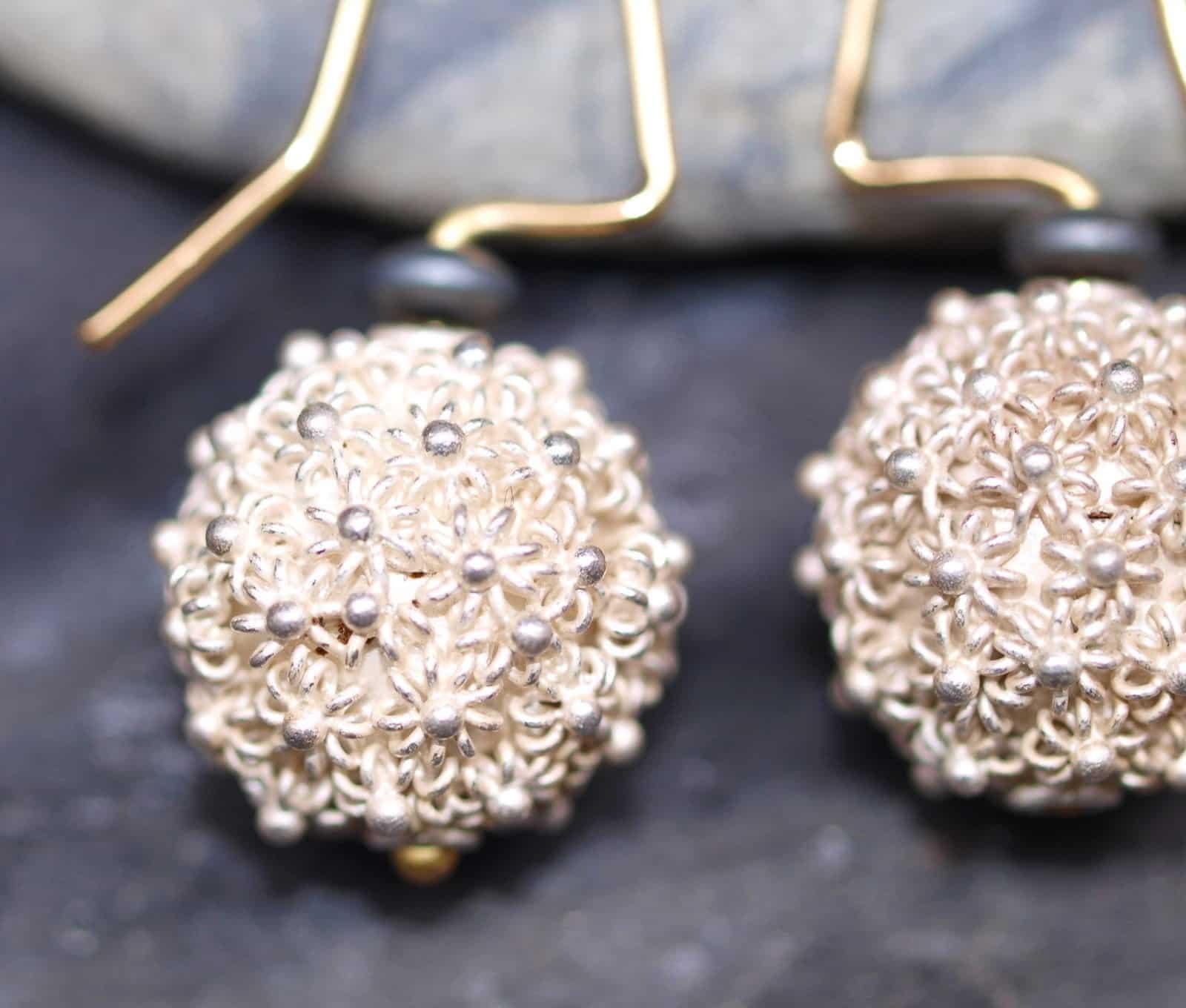 Unikat Ohrschmuck Silber 925 Gold 750 granuliert Kugel Hämatit floral Unikat
