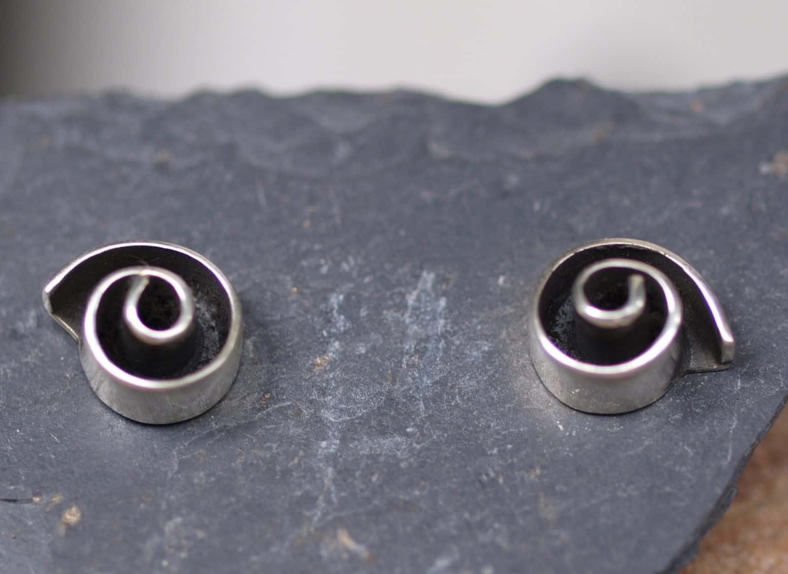Ohrschmuck Ohrstecker Silber 925 Spirale tlw geschwärzt