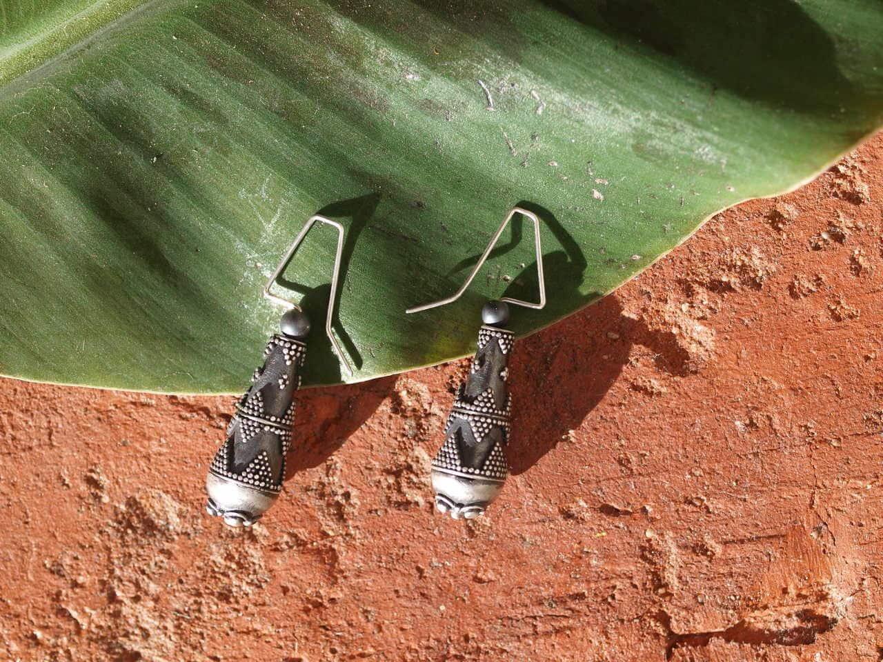 Unikat Ohrschmuck Ohrring Silber 925 granuliert Hämatit Ohrhänger Tropfen