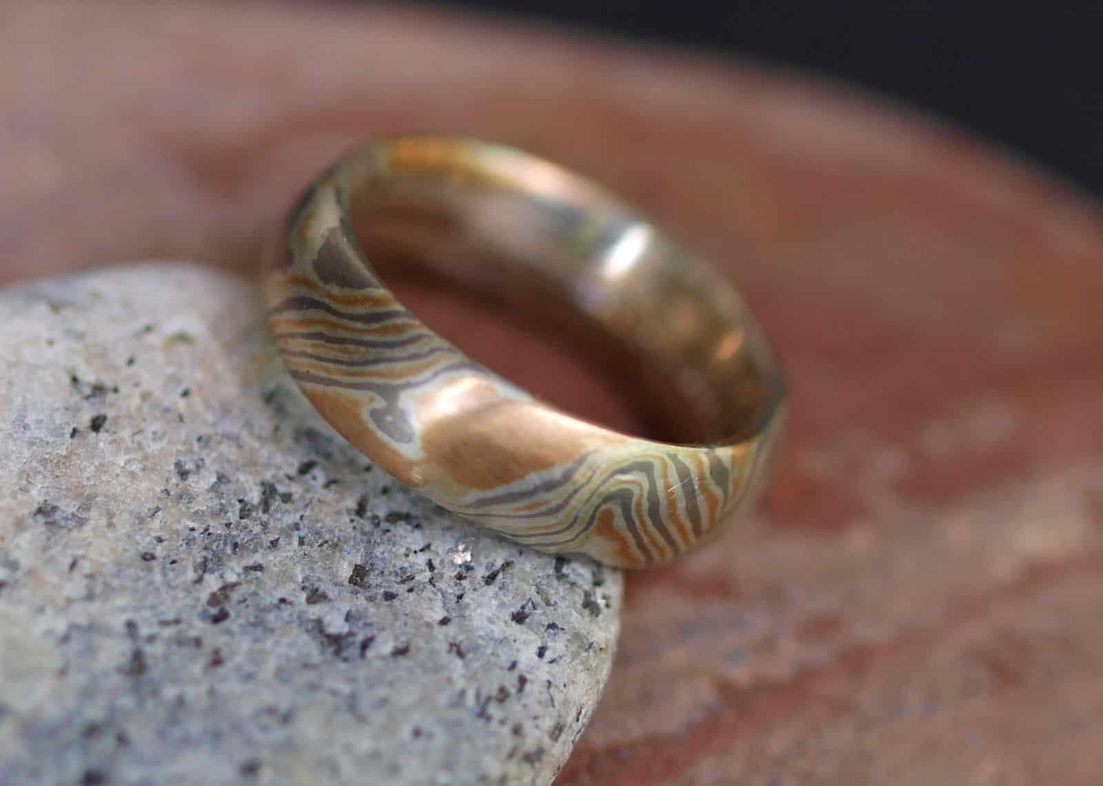 Unikat Ring Mokume gane Rotgold 750 Palladium 500 Silber 925 Holzmaserung