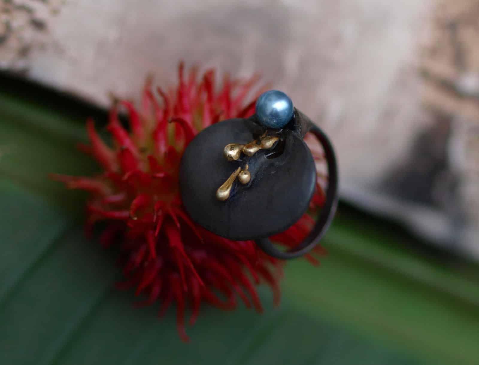 Unikat Ring Silber 925 rutheniert tlw vergoldet bläuliche Zuchtperle Perle