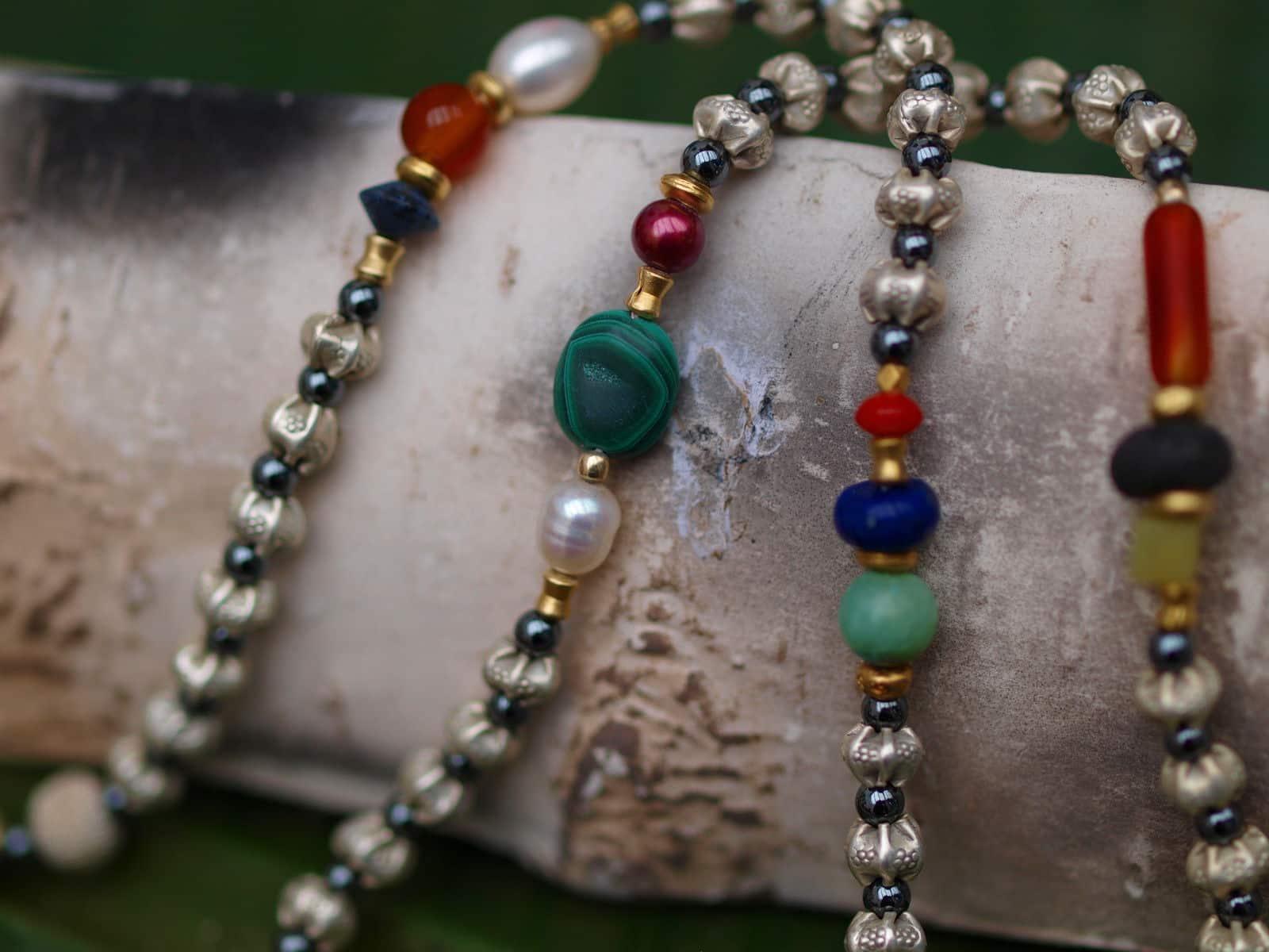 Unikat Kette Silber 925 tlw vergoldet Hämatit diverse Halbedelsteine Perlen lang