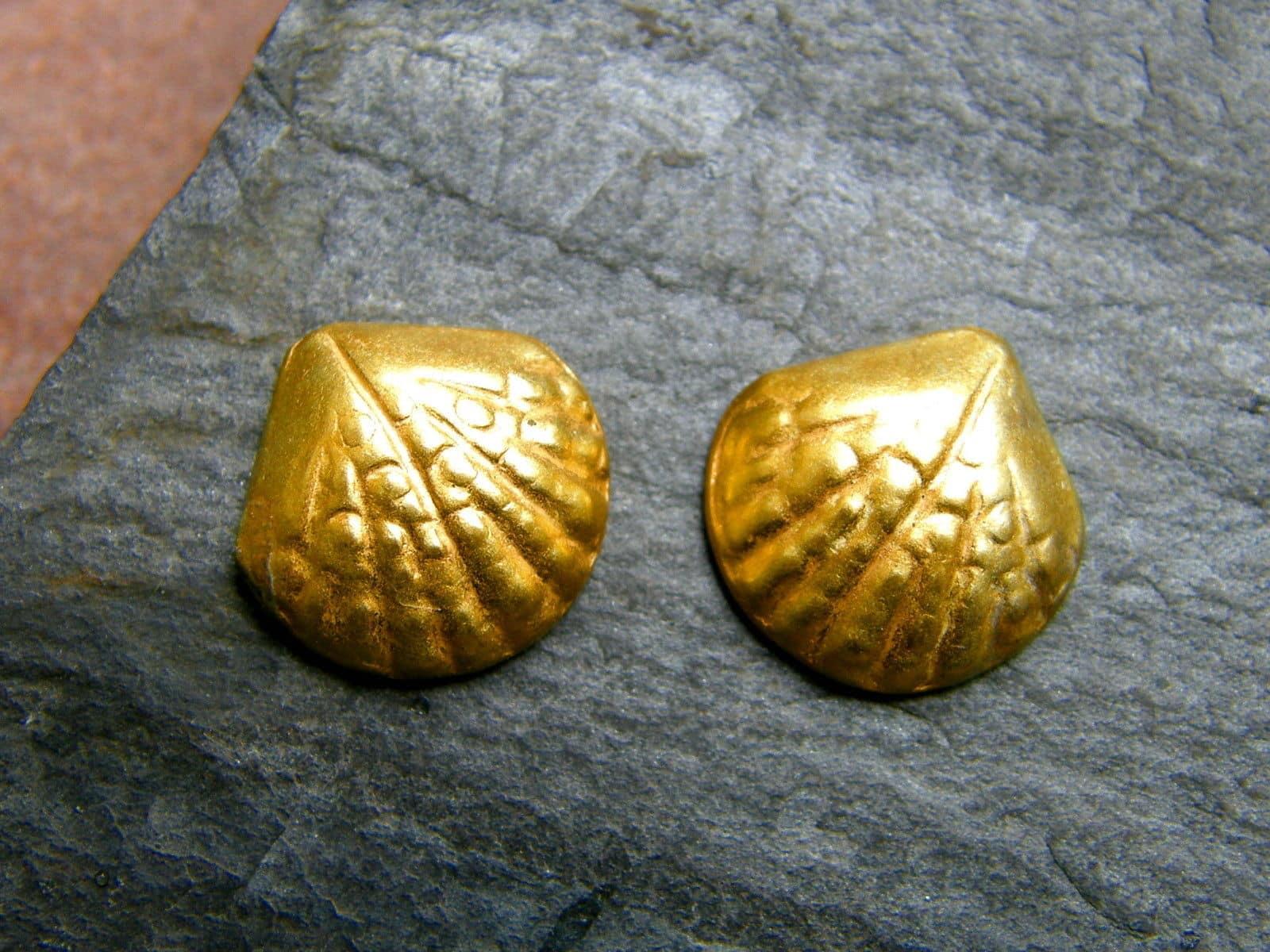 Unikat Ohrstecker Silber 925 vergoldet ziselierte Muschel