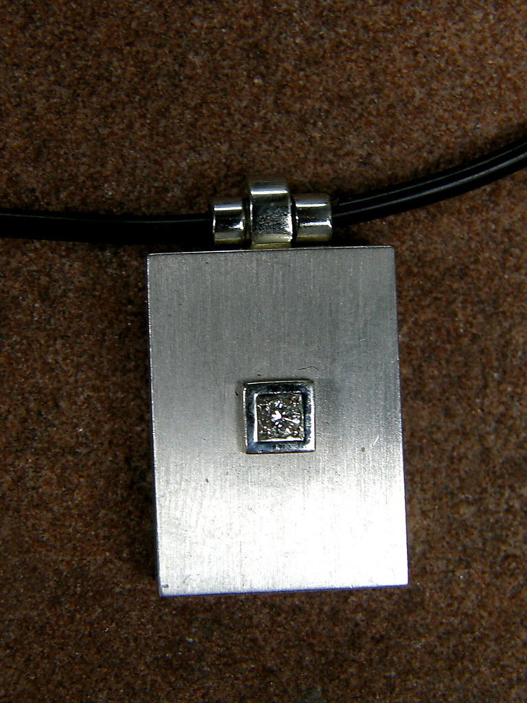 Collier Medallion Anhänger Kette Kautschukreif Platin 950 Diamant Brillant
