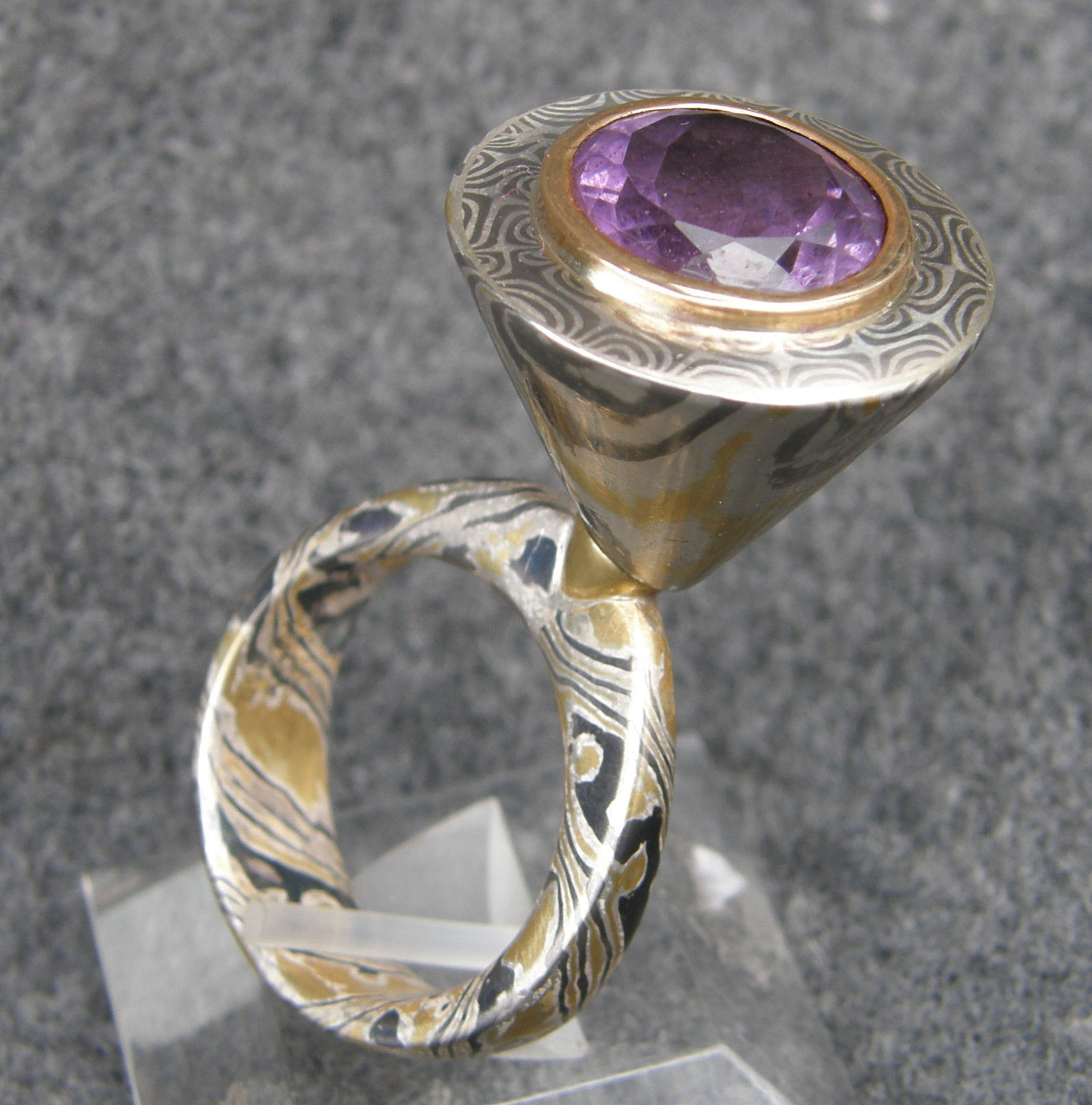 Unikat Ring Mokume Gane Gold Palladium Silber Amethyst kinetisch drehbar Lila