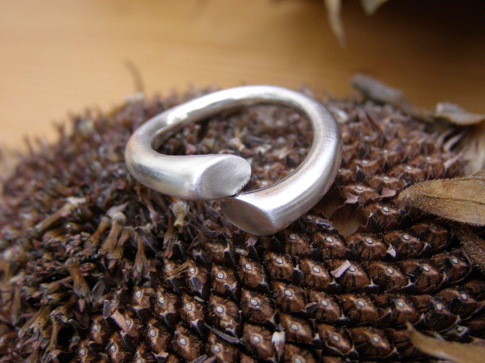 Designer Ring Silber 925 matt runde Schiene mit Verlauf