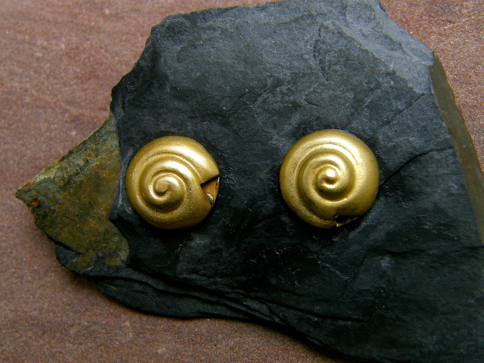 Ohrstecker Silber 925 vergoldet  Schnecke ziseliert