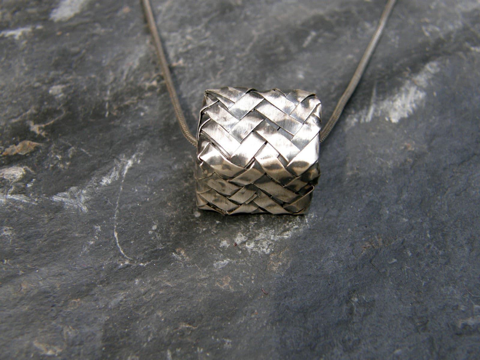 Designer Kette Silber 925 tlw. geschwärzt Quader gefaltet geflochten