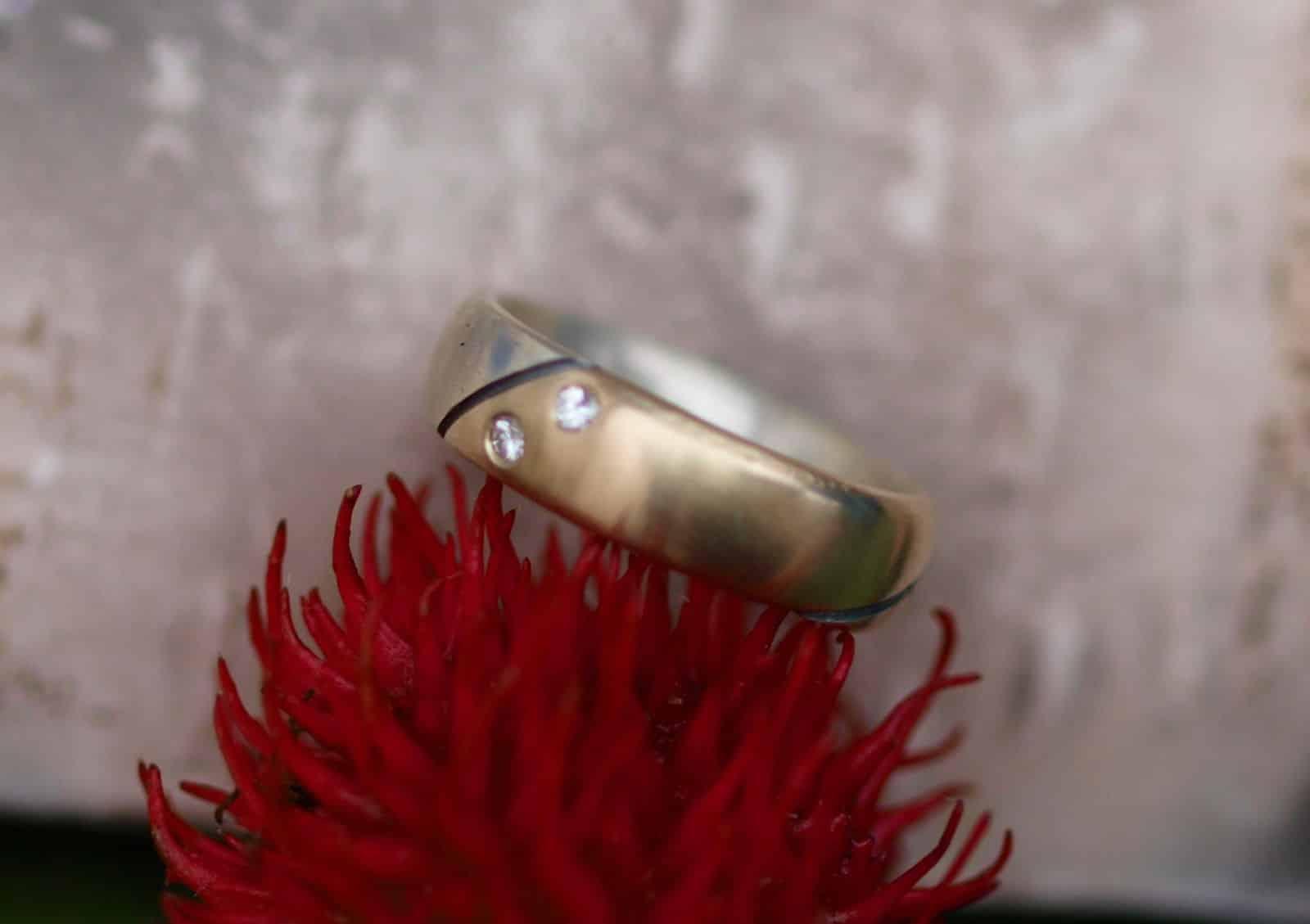 Designer Ring Silber 925 Gold 750 geschwärzte Konturen 2 Brillanten Unikat
