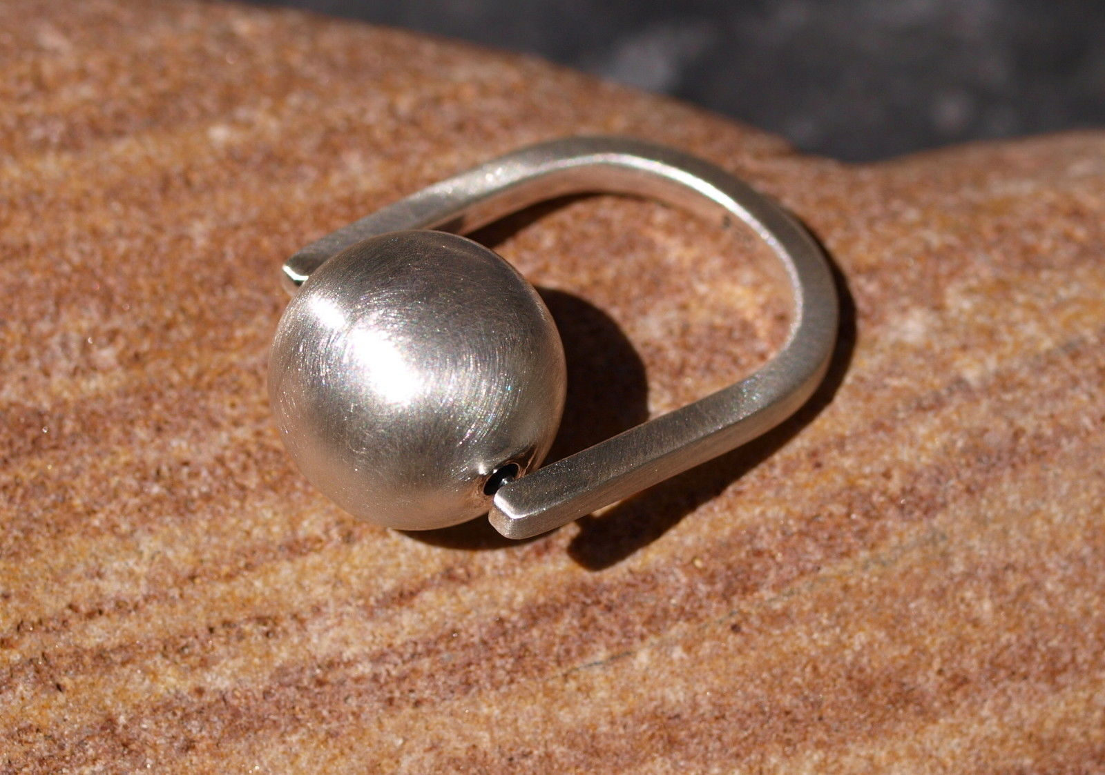 Designer Ring Silber 925 bewegliche Kugel matt