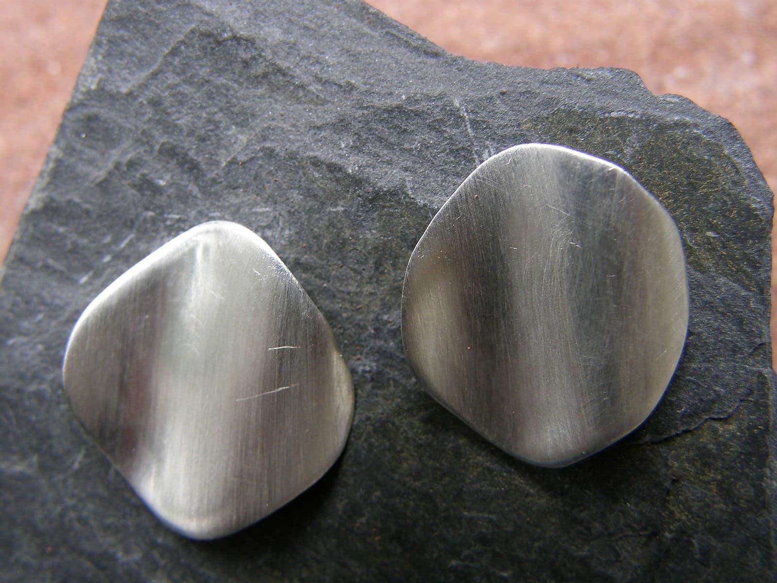 Silber 925 Ohrstecker gewellte Fläche