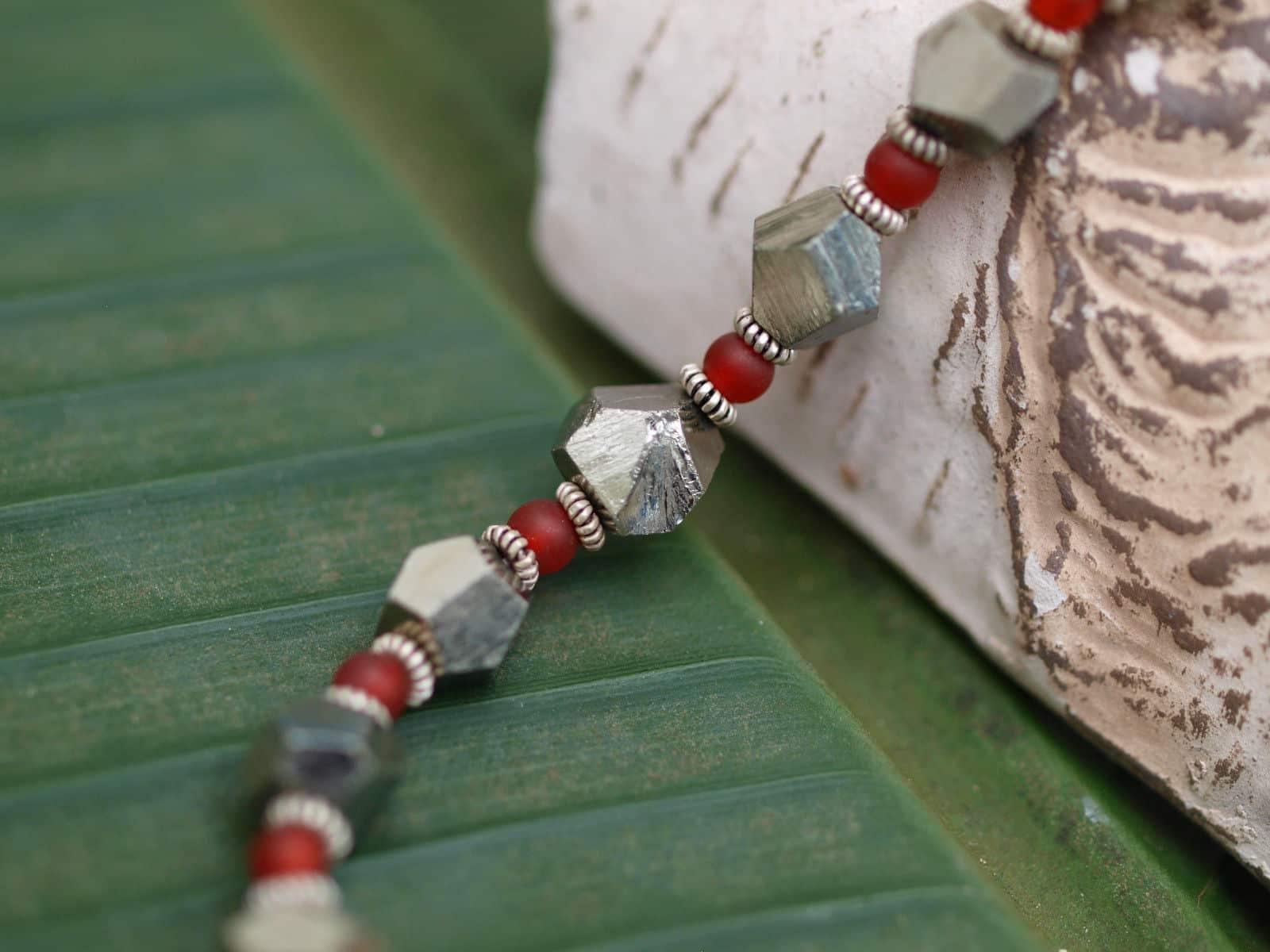 Unikat Kette Silber 925 Pyrit Kristall Karneol Kügelchen Kastenschlösschen