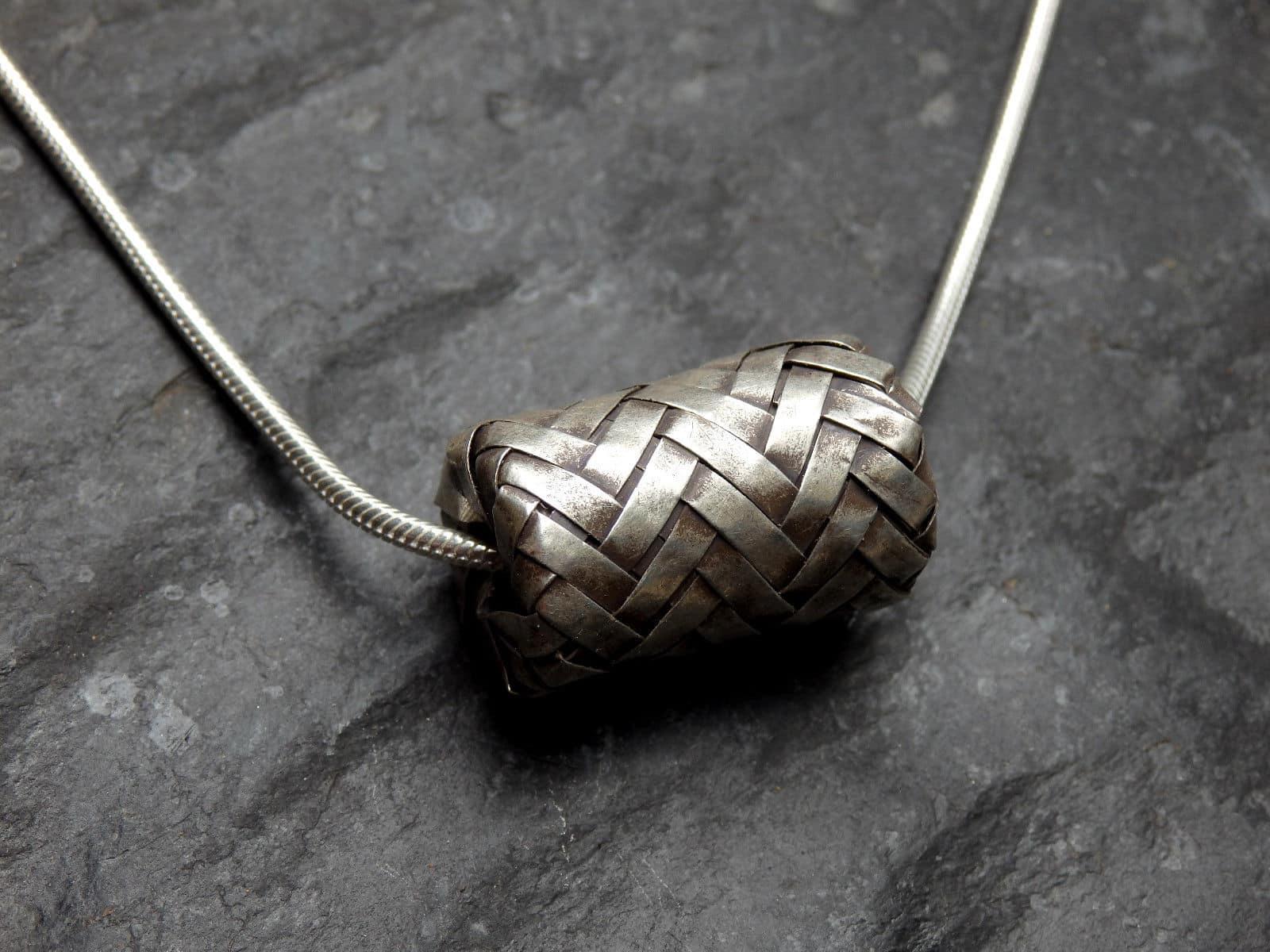 Designer Kette Silber 925 tlw. geschwärzt Zylinder gefaltet geflochten