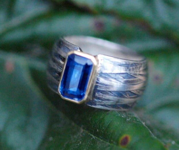 Designer Ring Silber 925 Gold 750 Kyanit geschmiedet Leguanhaut geschwärzt 56