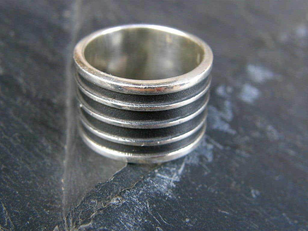 Designer Ring Silber 925 tlw. geschwärzt gestreift